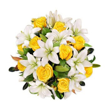 Ajman online Florist - Love Kiss Bouquet