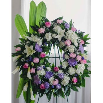 Coral Estate online Florist - Stylish condolence wreath Bouquet