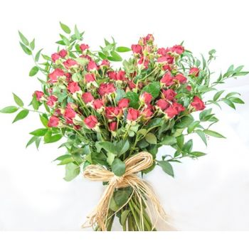 Doha flowers  -  Hart of Love Flower Bouquet/Arrangement