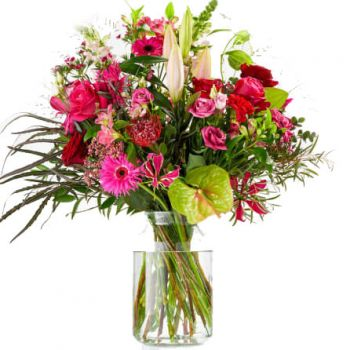 Halsteren flowers  -  Passionate bouquet Flower Delivery